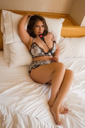 Gifty escort girl in Justice Illinois