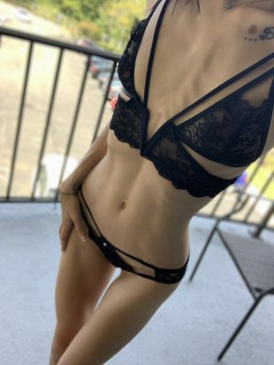 Gretchen escort girl