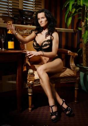 Marie-tatiana adult dating in Passaic